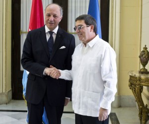 Cuba's Foreign Minister, Bruno Rodriguez (right), and France's Foreign Minister, Laurent Fabius.