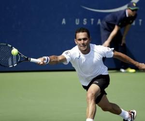 DR-tennis-player-Victor Estrella Burgos
