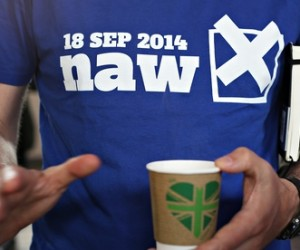 """A campaigner against Scottish independence wears a T-shirt reading """"18 Sep 2014: naw"""""""
