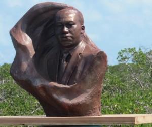 Dr. King-bust-bimini