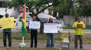 Guyana_protestors_outside_veneuzela_embassy