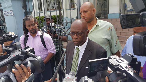 jack_warner_meets_the_media