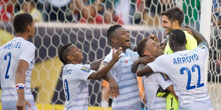 panama-soccer-team-celebrates