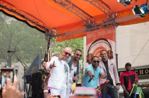 shaggy-performs_on_Today_Show