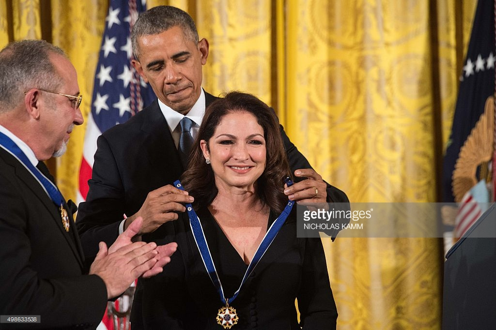 gloria-estafan-presidential-medal