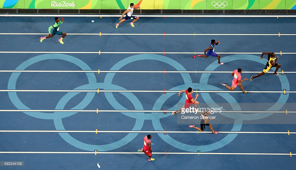 ashuk-cambridge-tries-to-chase-down-bolt
