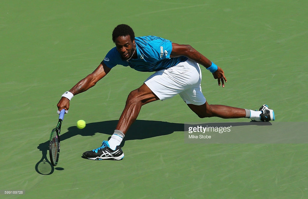 gael-monfils-advances-at-usopen