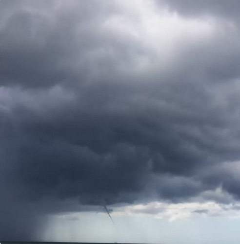jamaica-cloud-ahead-of-matthew