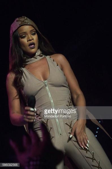 Rihanna-july2016