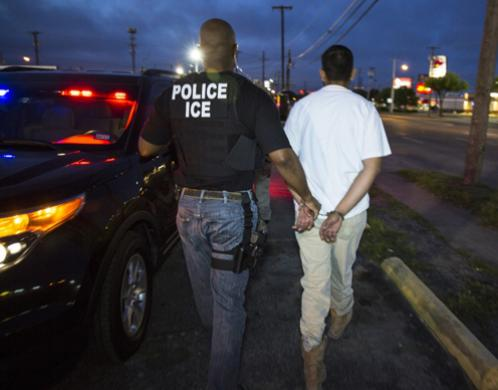 ICE-agents-arrest-immigrants-alt