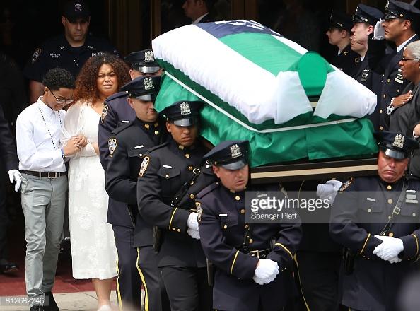 casket-of-officer-familia