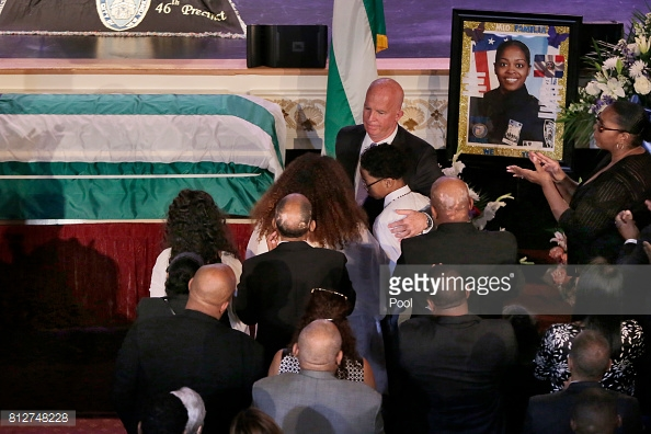 officer-familia-funeral