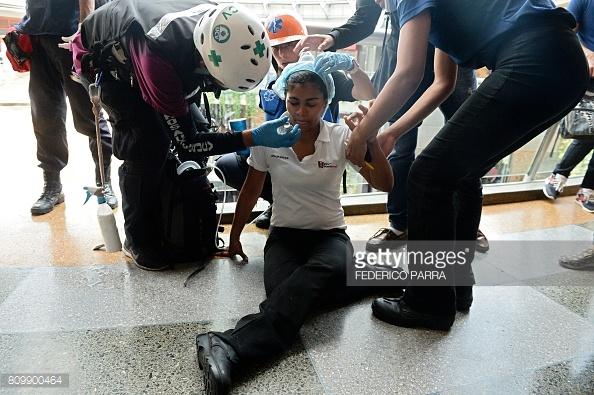 venezuela-mall-tear-gass-2