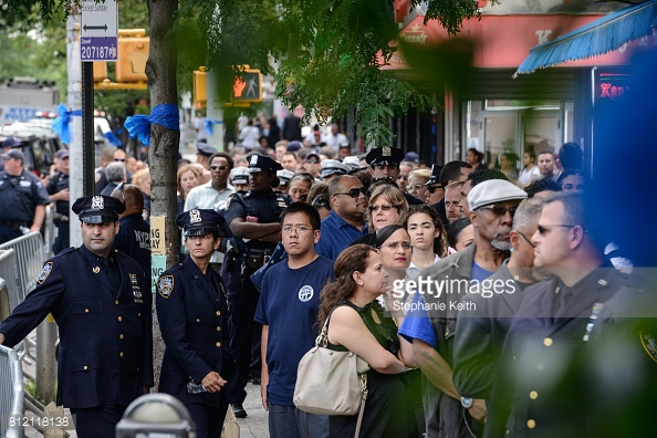 Bronx vigil for slain NYPD Officer Miosotis Familia draws hundreds