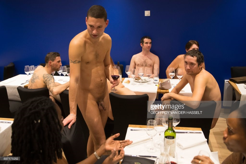 ciao-willy-nudist restaurant