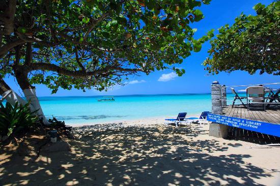 travellers-beach-resort-caribbean-bargain-hotel