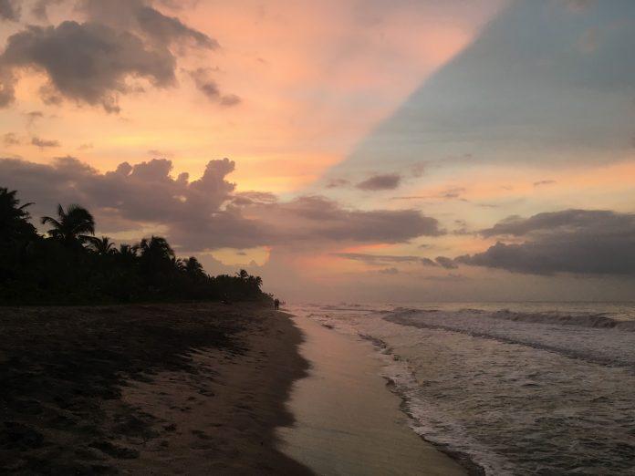 Palomino-best-colombia-beach