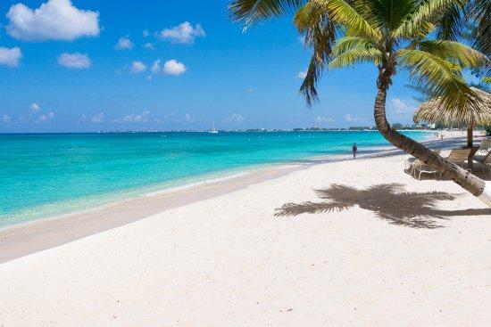 seven-mile-beach-caymanislands