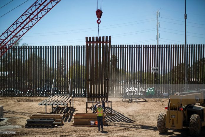 us-starts-construction-on-border-wall