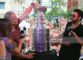 shaggy-sting-at-stanley-cup