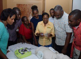 Team-Jamaica-Bickle-Defibrillator-training