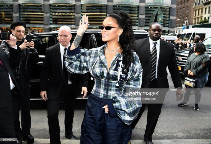 Rihanna-FU-Puma-Sued