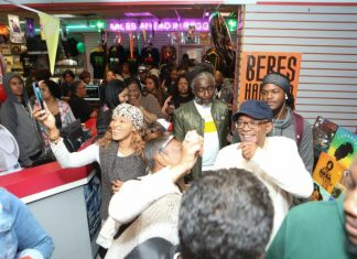 beres-hammond-and-fans