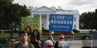 love-thy-neighbour-us-immigration-protest
