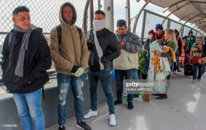 migrants-at-mexico-border