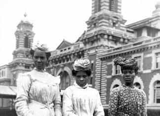 3-CARIBBEAN-women-on-Ellis-Island