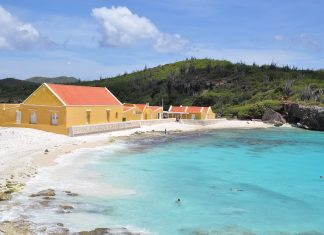 CARIBBEAN-TRAVEL-OF-THE-DAY-BONAIRE