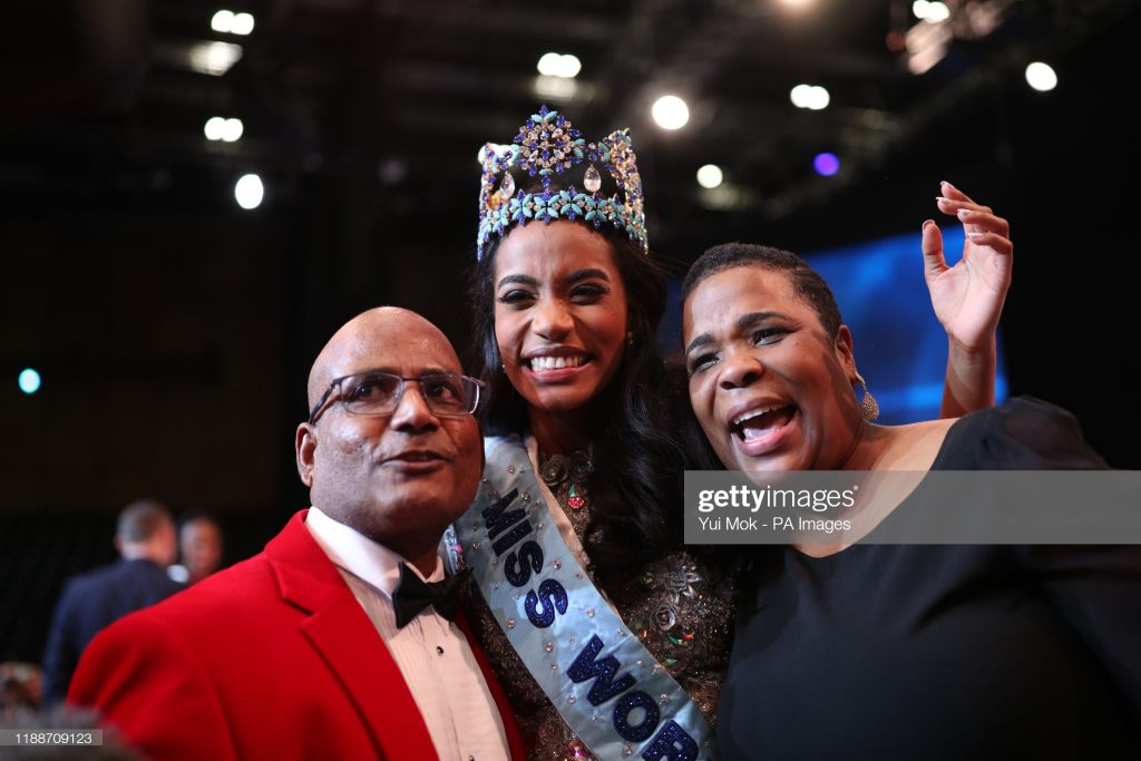miss-jamaica-world-and-parents