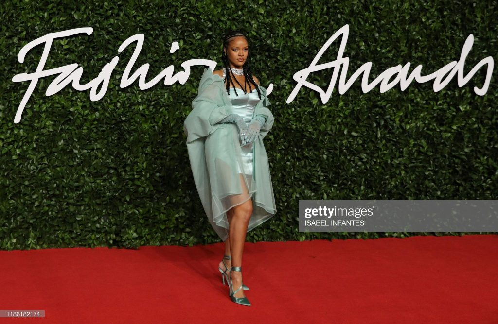 rihanna-british-fashion-award