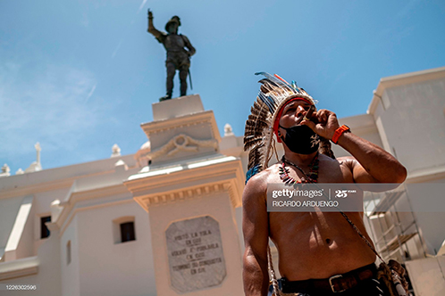 puerto-rico-statue-protest