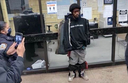 suspect-in-new-york-subway-stabbing