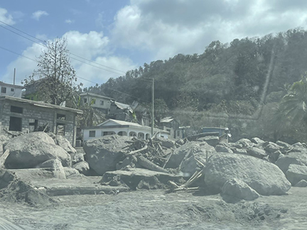 un-image-impact-of-svg-volcano