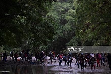 haitian-migrants-again-trekkng-to-us