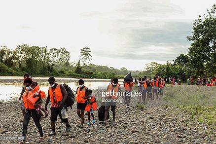 haitian-migrants-and-kids-in-the-darien-gap